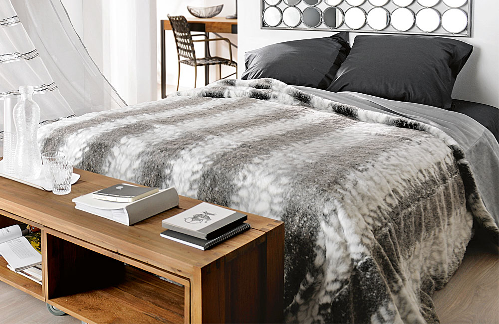 jet de lit couvre lit ou plaid fausse fourrure loup toutes tailles de lits ebay. Black Bedroom Furniture Sets. Home Design Ideas